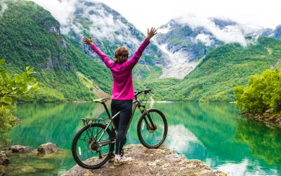 30 WAYS TO STAY ACTIVE IN MIDLIFE