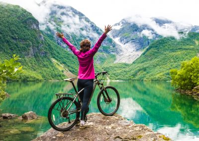 30 STEP-BY-STEP WAYS TO STAY ACTIVE IN MIDLIFE