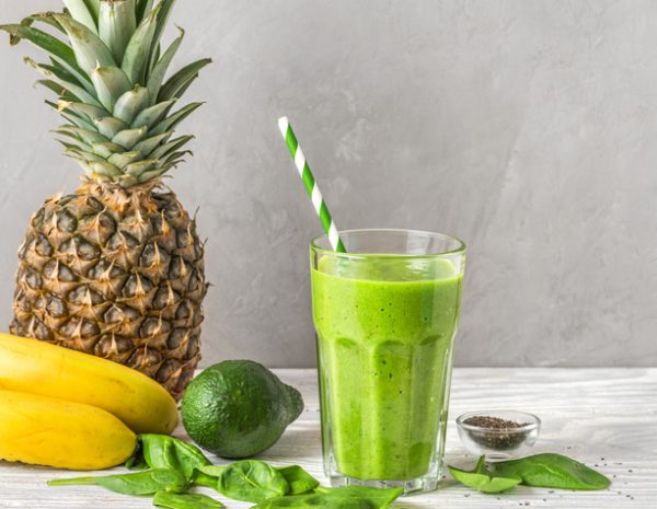 Banana, Pineapple and Spinach Smoothie